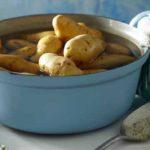 Comment cuire des pommes de terre rapidement ?