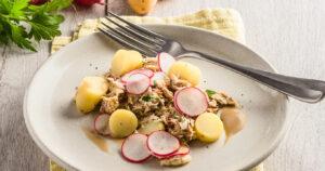 Salade de Ratte du Touquet, emiette de maquereaux et radis